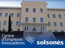 Edifici Seminari de Solsona i logotip del CEI del Solsonès